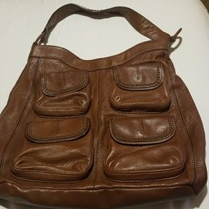 Banana Republic LEATHER bucket bag with pockets